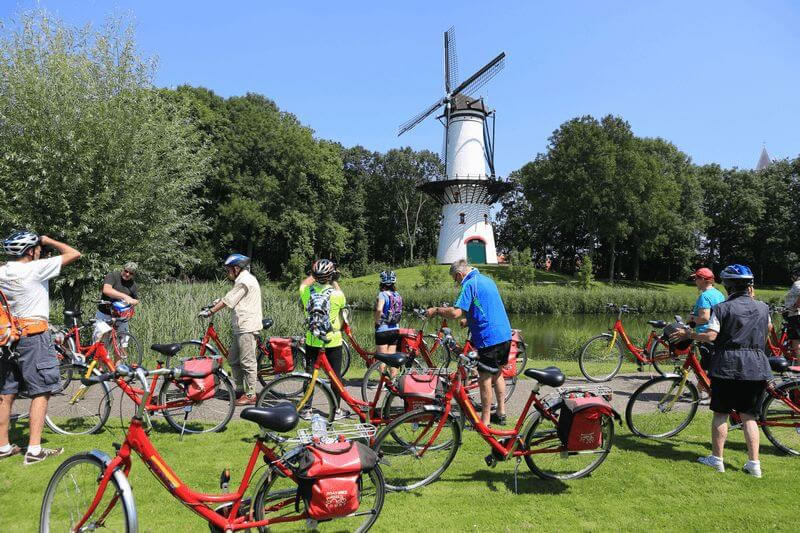 cyclists_windmill