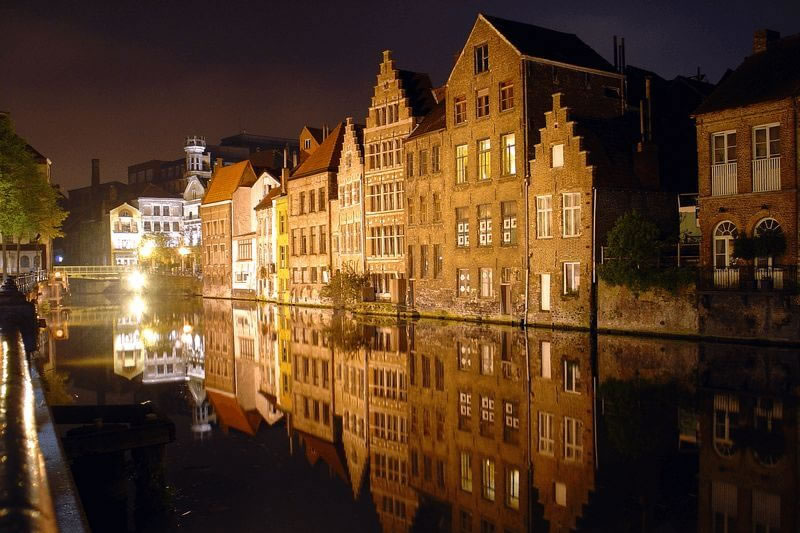 gent_at_night