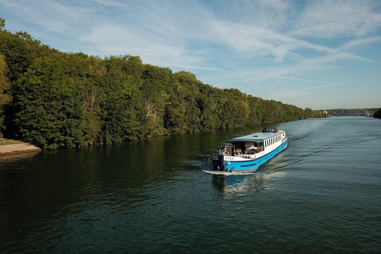 Barge Fleur Moret Auxerre Seine Drone