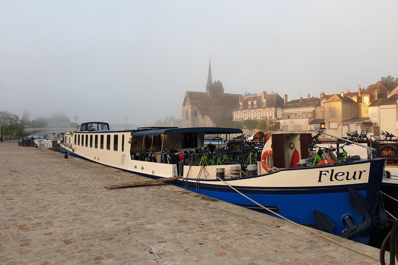 Barge Fleur Moret Auxerre Sens