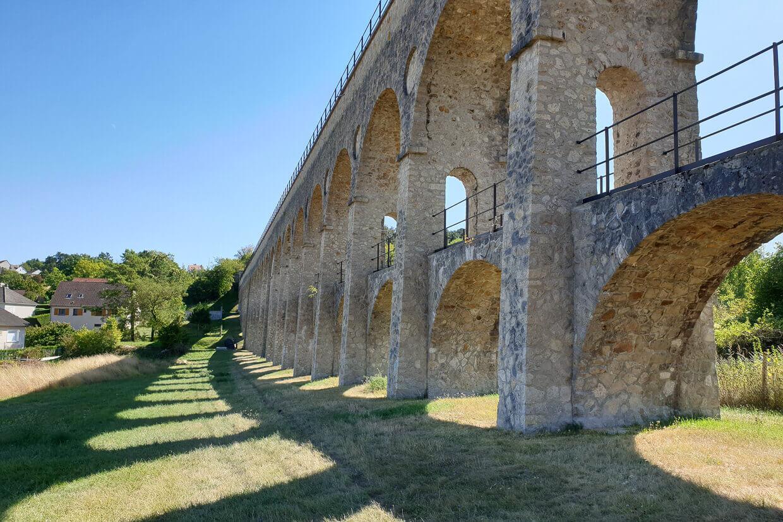 Barge Fleur Moret Auxerre Aquaduct
