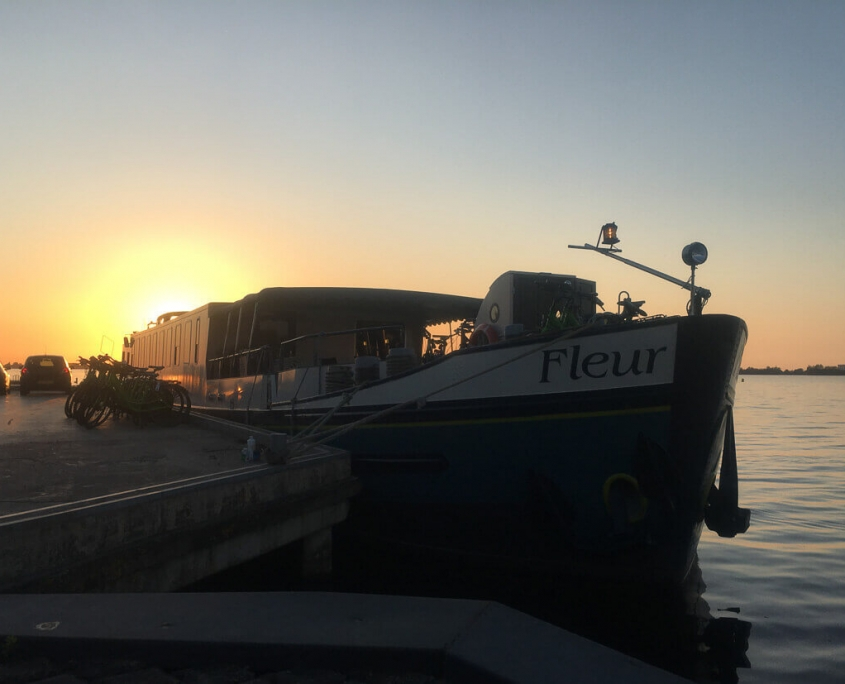 Barge Fleur Tulpentoer Kudelstaart